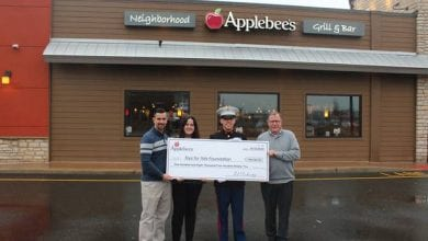 Photo of Applebee's raises $108,590 for Toys for Tots